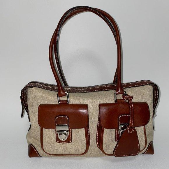 Dooney & Bourke Handbags - DOONEY & BOURKE Leather Bag